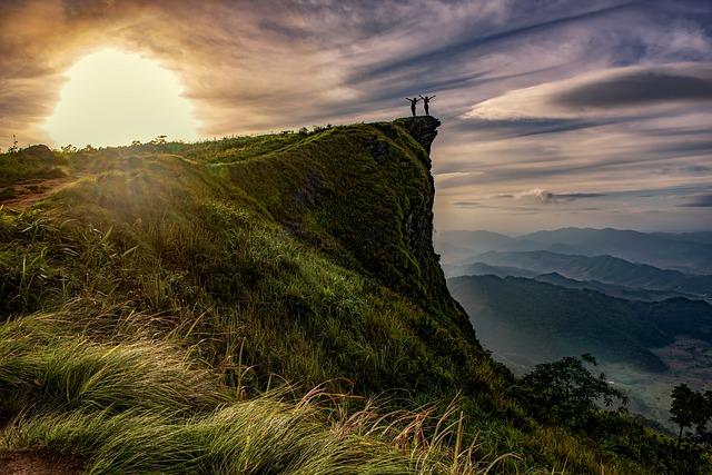 dva lidé na hoře